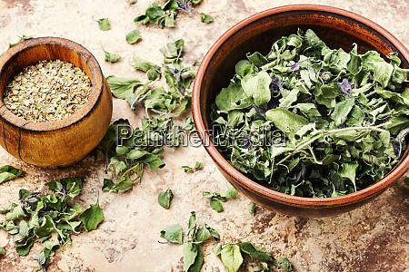 dried marjoram seasoning