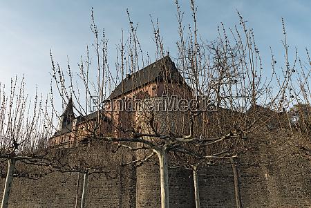 saint justinus church in winter in