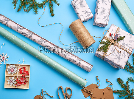 rolls with wrapping paper brown rope