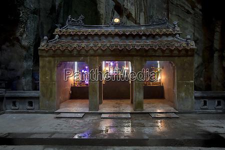 huyen khong cave marble mountain vietnam