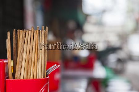 vietnam hanoi street food chopsticks