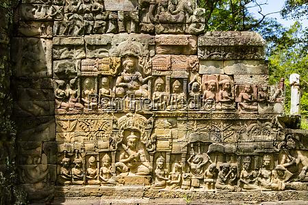 leper king terrace angkor thom angkor