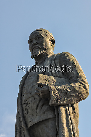 statue of abai qunanbaiuly a famous