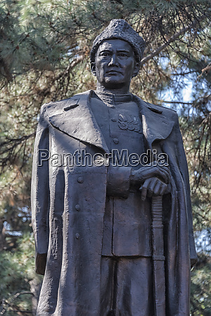statue of a kazakh war hero
