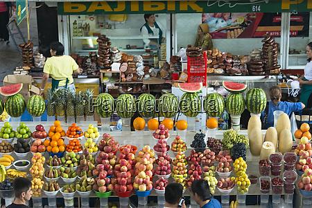 green bazaar almaty kazakhstan