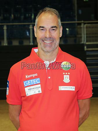 swedish handball goalkeeper coach tomas svensson