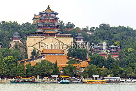 summer palace on kunming lake world