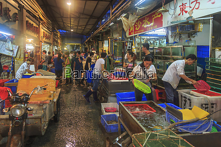 huangsha aquatic products market summer morning