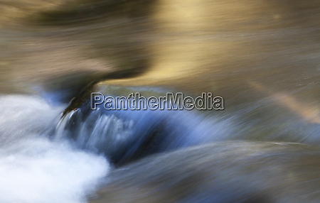 rogue river flowing and picking up