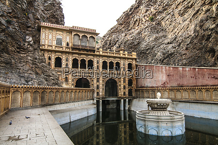 jaipur rajasthan india fountain at the