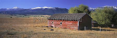 usa oregon wallowa mountains red barn