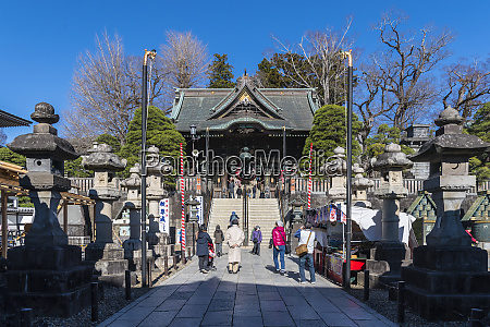 entrance to the narita temple in