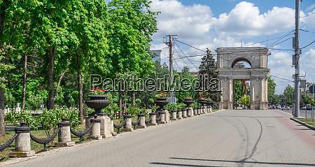 triumphal arch in chisinau moldova