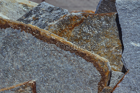 silver colored quartzite flagstone