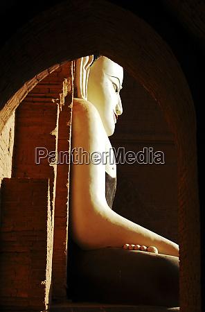 myanmar bagan profile of statue of