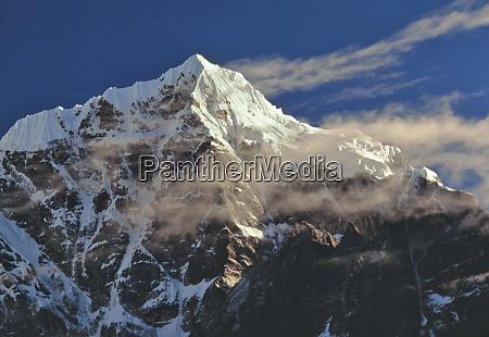 asia nepal sagarmatha np wispy sunrise