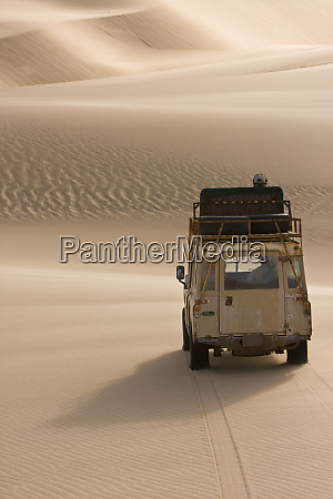 skeleton coast namibia africa land rover