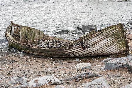 antarctica boat wreck