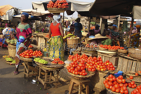 benin cotonou tomato and onion street