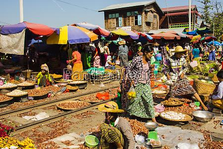 myanmar mandalay market on an active