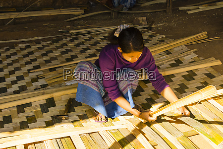 myanmar shan state kalaw woman making