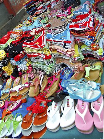 selling shoes ni soucoupira market praia