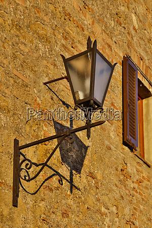 italy pienza light and shadow