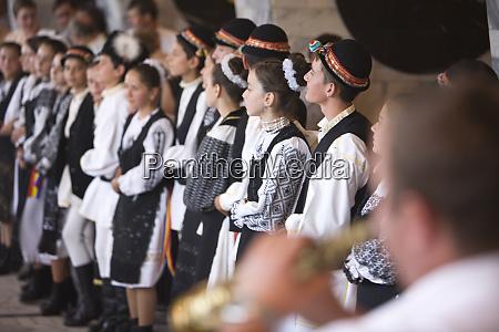 romania brasov music and dance in