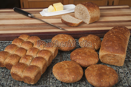 multigrain rolls buns and loaf with