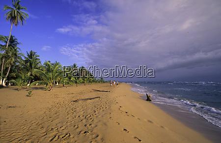 beach in costa rica