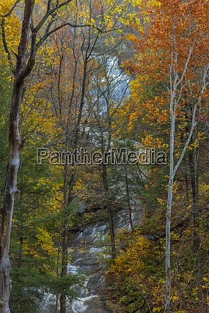brandywine falls in autumn in cuyahoga