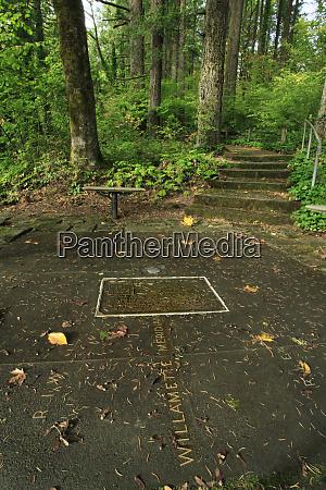 usa oregon portland historic willamette stone