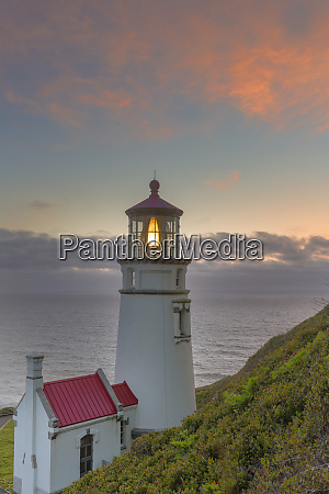 heceta head lighthouse at sunset near