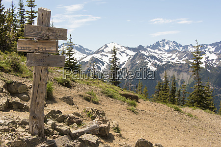 trail signs at marmot pass