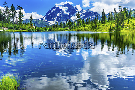 picture lake clouds reflection mount shuksan