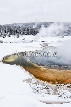 usa wyoming yellowstone national park upper