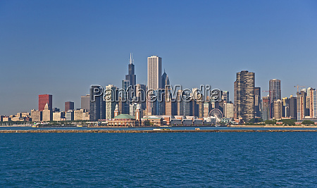 a view of chicago skyline from