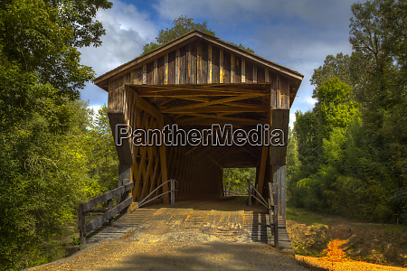 usa georgia oldest wooden covered bridge