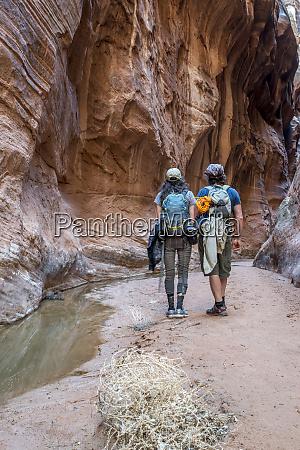 hiking in buckskin slot canyon paria
