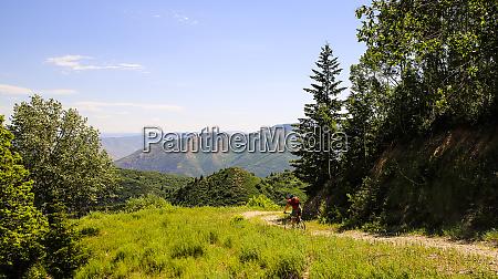 sundance mountain resort utah mountain bicyclist