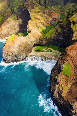 honopu arch and honopu beach on