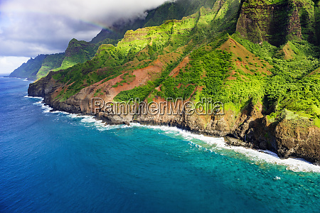afternoon light on the na pali