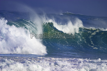 storm waves north shore oahu hawaii