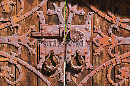 gate detail at scottys castle death