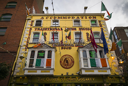 ireland dublin temple bar traditional pub