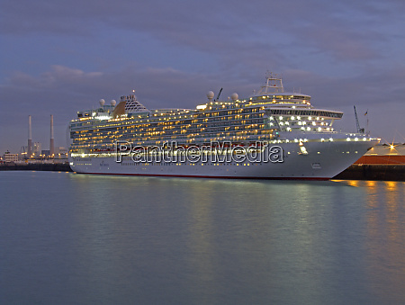 cruise ship le havre normandy france