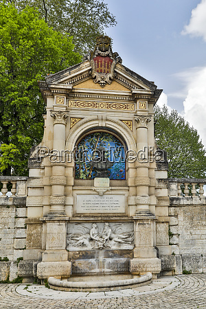 france cahors fountain in honor of