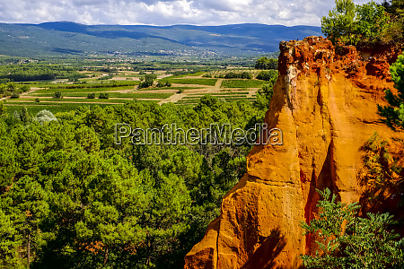 france provence roussillon overlook ochre