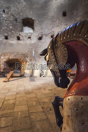 romania transylvania hunedoara corvin castle armor