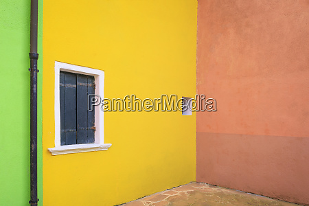 italy burano colorful house walls credit